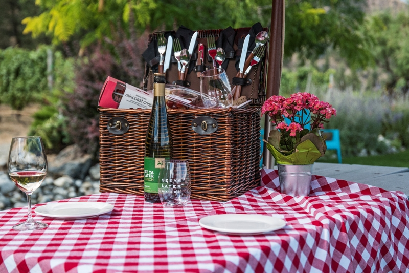 best okanagan winery picnic spots